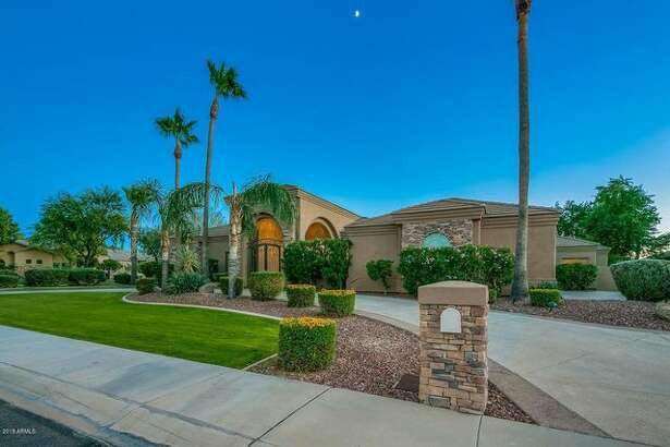 After owning a Scottsdale, AZ, mansion since 2016, San Francisco Giants All-Star shortstop Brandon Crawford is on the verge of selling it for $1.5 million.