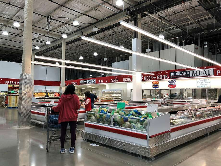 Costco compensates its employees well, at least by retail standards. Store managers average $138,000 a year in salary, but Costco's bonus and stock compensation can roughly triple that amount. Photo: Chris Tomlinson, Houston Chronicle