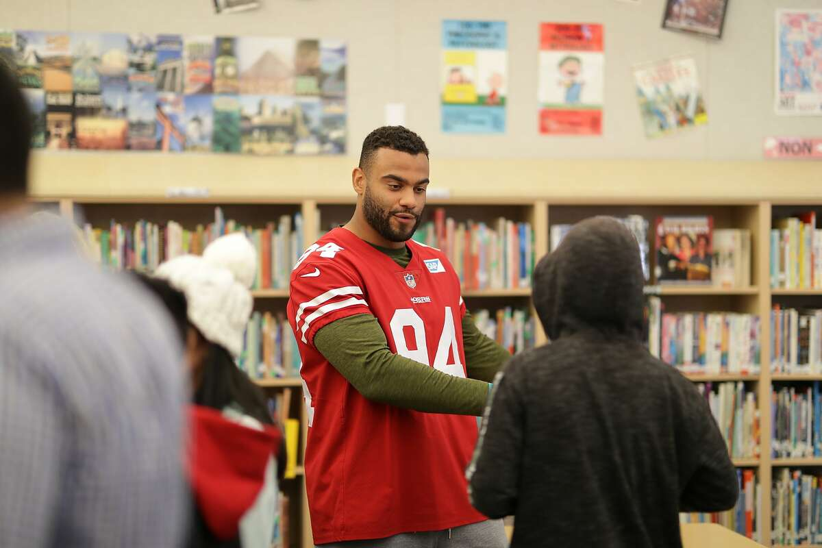 49ers Linebacker Solomon Thomas and the 49ers partnered with Counseling and Support Services for Youth (CASSY) for a Mental Health Awareness event at Monroe Middle School in San Jose on Tuesday December 18, 2018. Solomon Thomas and his teammates partnered with 6th, 7th and 8th grade students for small groups discussions centered on managing stress and destigmatizing mental health.