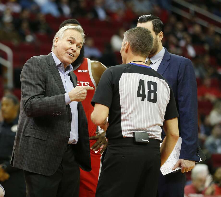 PHOTOS: Best Twitter reactions to Scott Foster being a referee for tonight's Rockets-Thunder game Houston Rockets head coach Mike D'Antoni argues a call with official Scott Foster during the first half of an NBA game at Toyota Center, Wednesday, Dec. 19, 2018, in Houston. Photo: Karen Warren/Staff Photographer