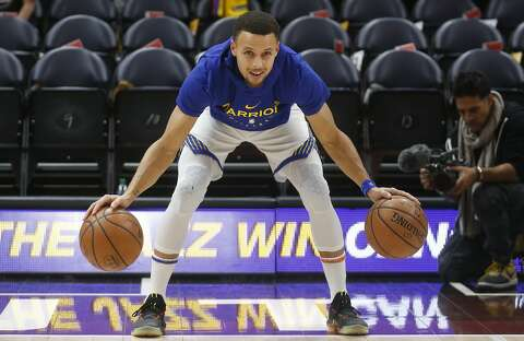 1c396fd19378  p Golden State Warriors guard Stephen Curry warms up before the start of  their
