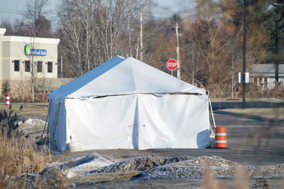 The tent containing the wrecked limo from the accident in Schoharie County remains in place behind the Troop G headquarters Thursday Dec. 20, 2018 in Latham, N.Y.  (Skip Dickstein/Times Union) Photo: SKIP DICKSTEIN, Albany Times Union