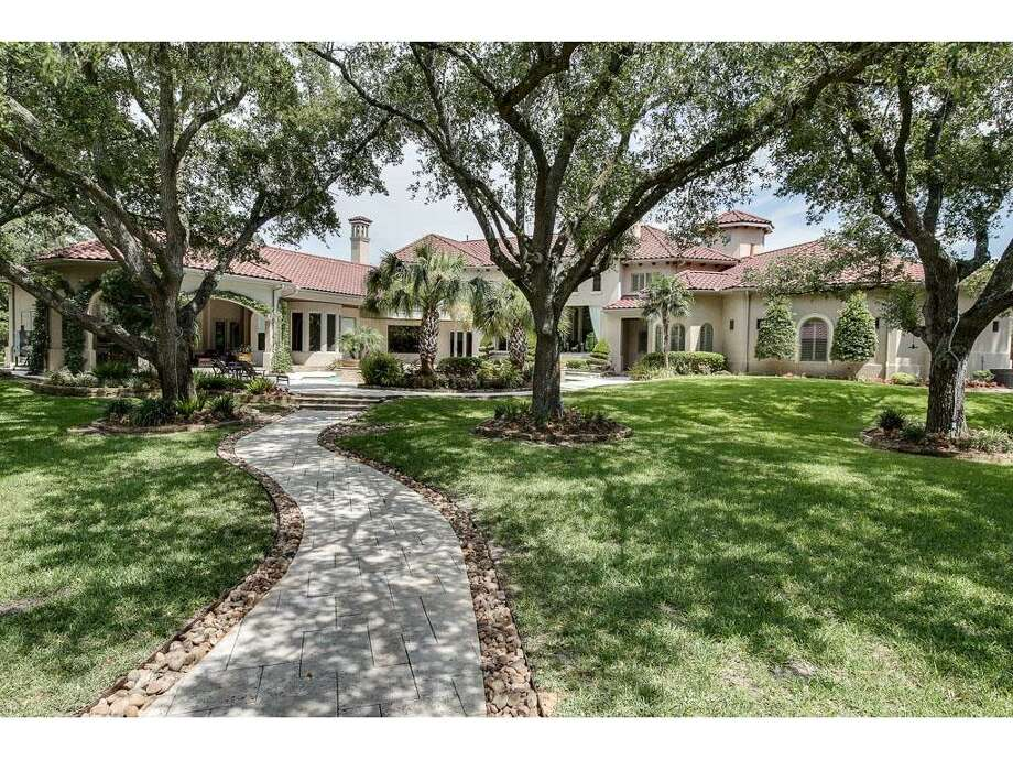 Friendswood estate designed by Houston architect Robert Dame listed for sale. Photo: Houston Association Of Realtors