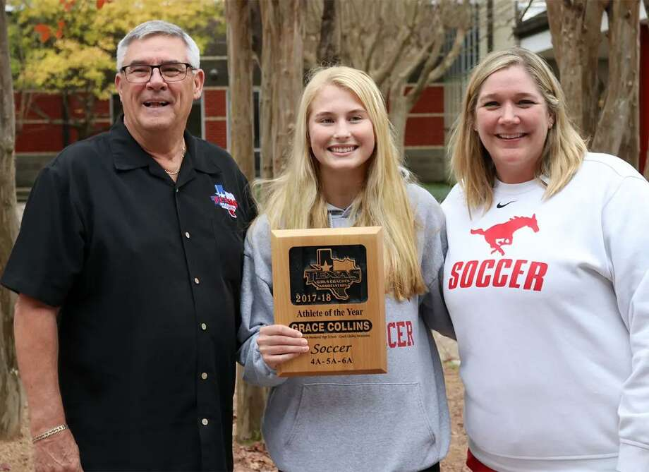 Grace Collins, center, a right forward on the Memorial High School Girls Soccer team, has been selected as the 2018 Soccer Player of the Year by the Texas Girls Coaches Association. Photo: Spring Branch ISD