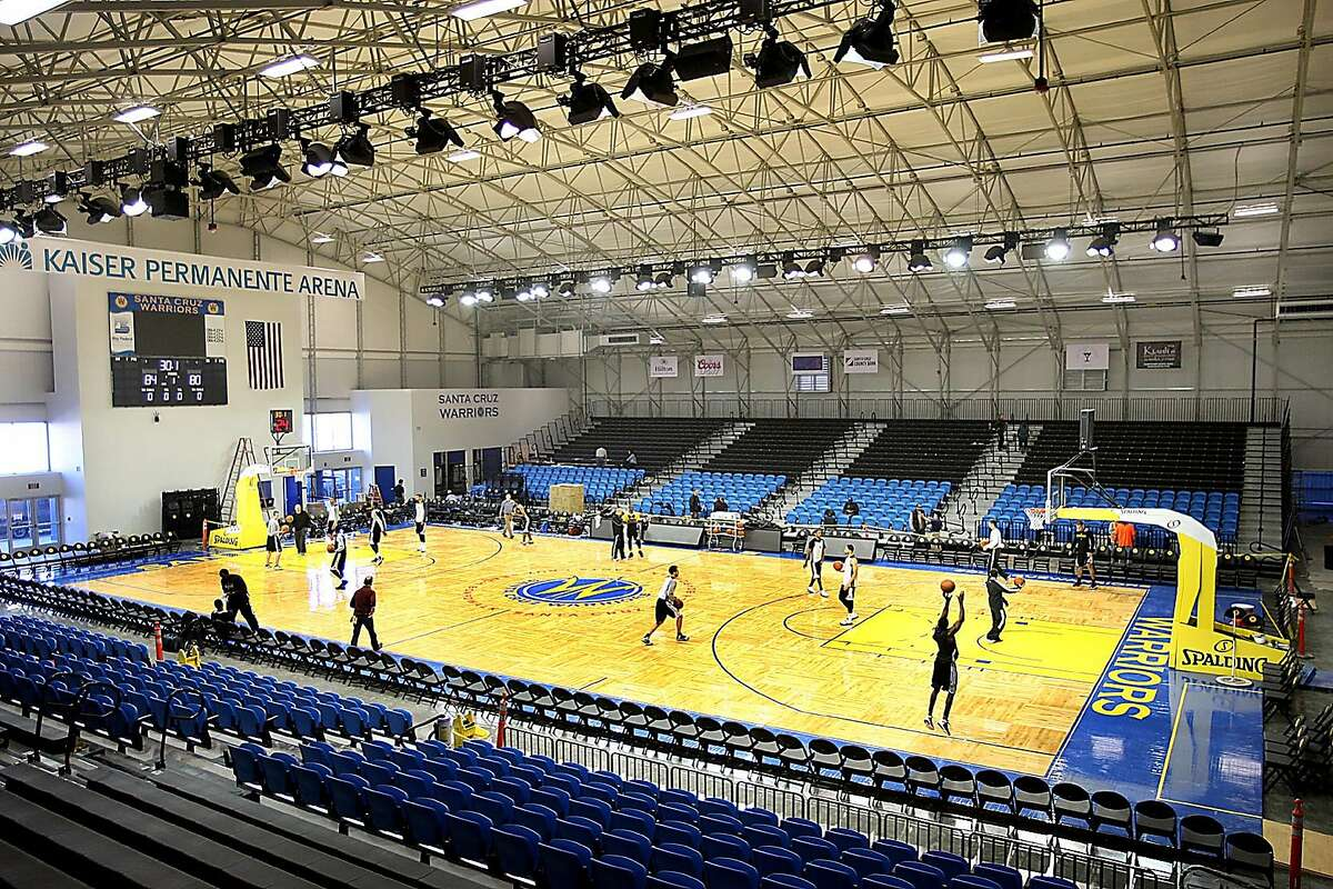 With their first home game looming Sunday afternoon, The Santa Cruz Warriors practiced for the first time Thursday on their home court in the Kaiser Permanente Arena as last-minute construction continued in the brand new building. (Dan Coyro/Santa Cruz Sentinel)