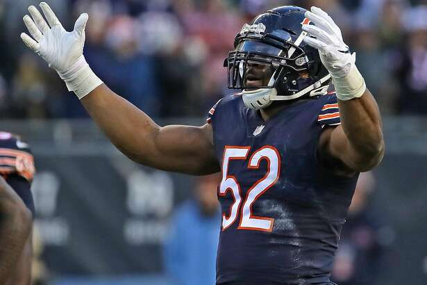 CHICAGO, IL - DECEMBER 16: Khalil Mack #52 of the Chicago Bears encourages the crowd to cheer during a game against the Green Bay Packers at Soldier Field on December 16, 2018 in Chicago, Illinois.The Bears defeated the Packers 24-17. (Photo by Jonathan Daniel/Getty Images)