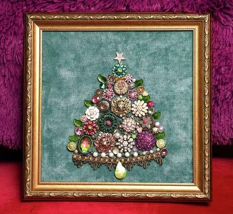 Jewelry Christmas Trees.Grand Love Treasures Branford Artisan Makes Christmas Trees