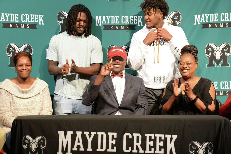 Marcus Stripling announces his commitment to play for Oklahoma at Mayde Creek High School in Houston on Dec. 19. Photo: Craig Moseley, Houston Chronicle / Staff Photographer / ©2018 Houston Chronicle