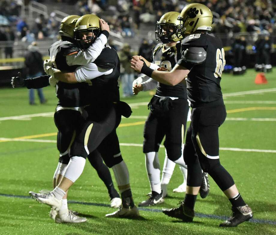 The Hand football team will move back into Tier 1 in the SCC next season after spending the last two season in Tier 2. Photo: Peter Hvizdak / Hearst Connecticut Media / New Haven Register