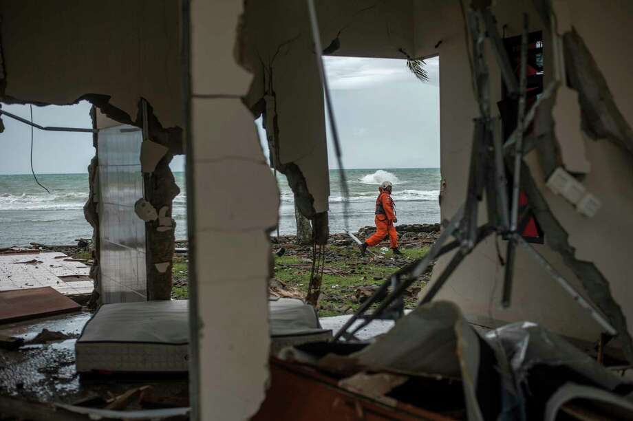 Indonesian tsunami strikes without warning, killing at least