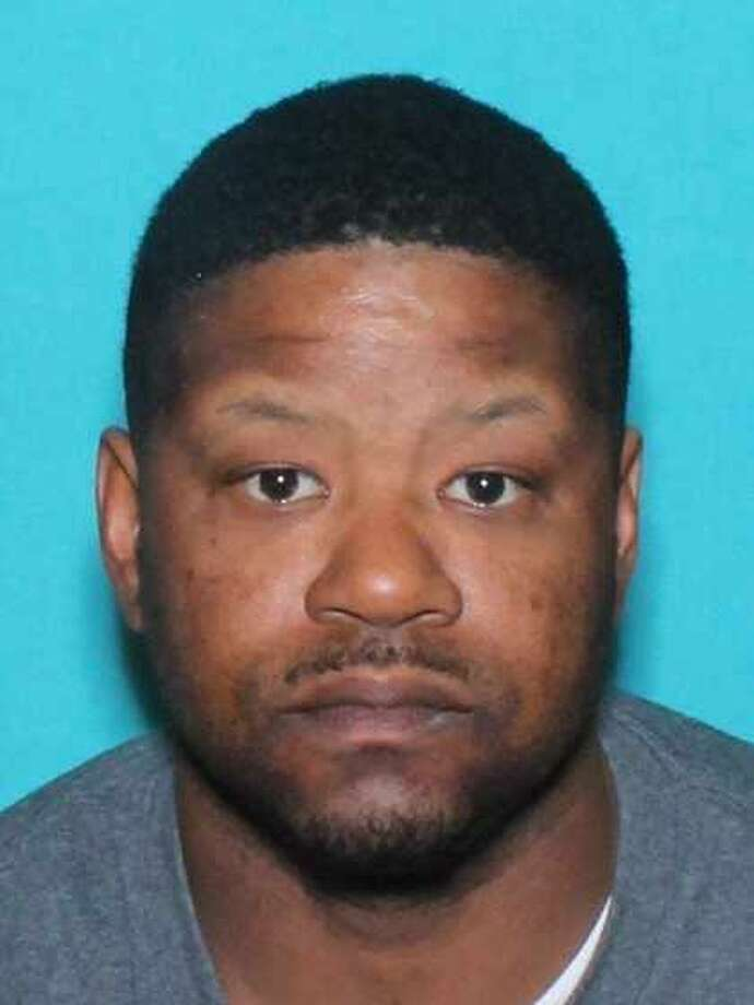 U.S. Marshals Service fugitive: Rondale Farris is wanted by the U.S. Marshals Homicide and Aggravated Assault with Deadly Weapon Photo: Midland Crime Stoppers