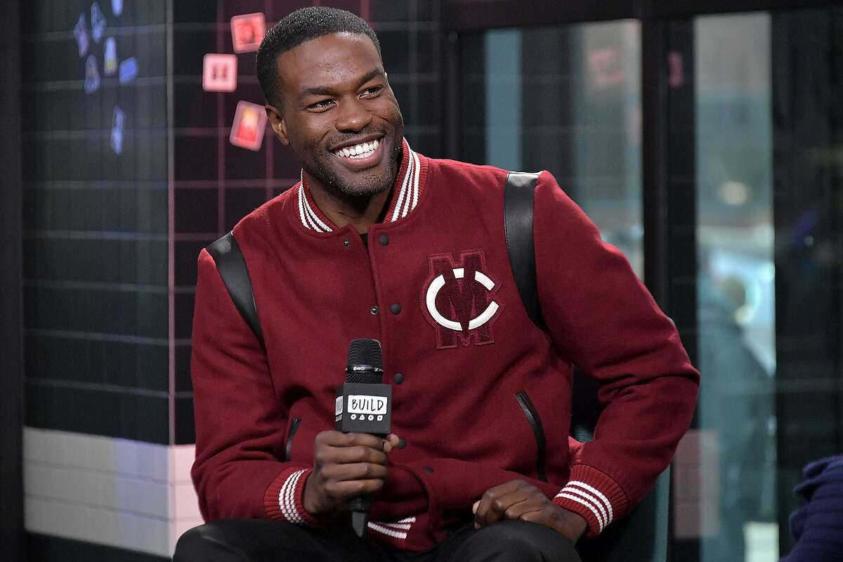 NEW YORK, NEW YORK - DECEMBER 19: Actor Yahya Abdul-Mateen II visits Build to discuss the movie