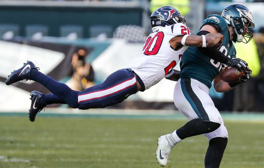 Houston Texans strong safety Justin Reid (20) tackles Philadelphia Eagles tight end Dallas Goedert (88) during the third quarter of an NFL football game at Lincoln Financial Field on Sunday, Dec. 23, 2018, in Philadelphia. Photo: Brett Coomer/Staff Photographer