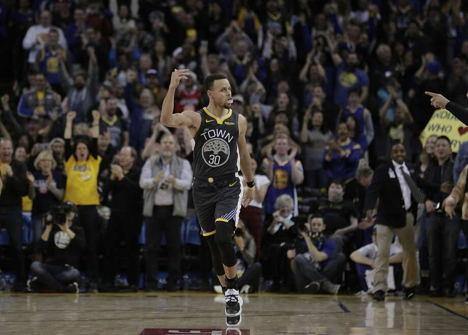 7adfba86c466 Stephen Curry (30) celebrates his layup shot that put the Warriors ahead in  the