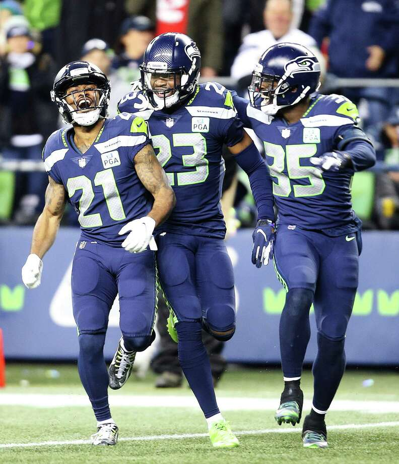 who will the seattle seahawks face in the playoffs