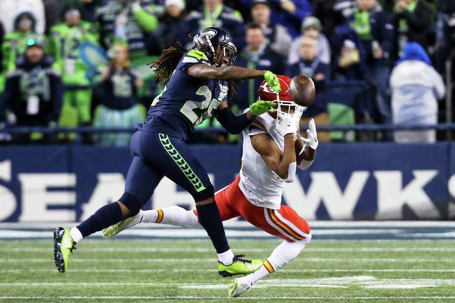Seahawks corner back Shaquill Griffin knocks down a ball intended for Chief's wide receiver Demarcus Robinson in the first quarter of Seattle's game against Kansas City, Sunday, Dec. 23, 2018. Photo: GENNA MARTIN, SEATTLEPI.COM / SEATTLEPI.COM