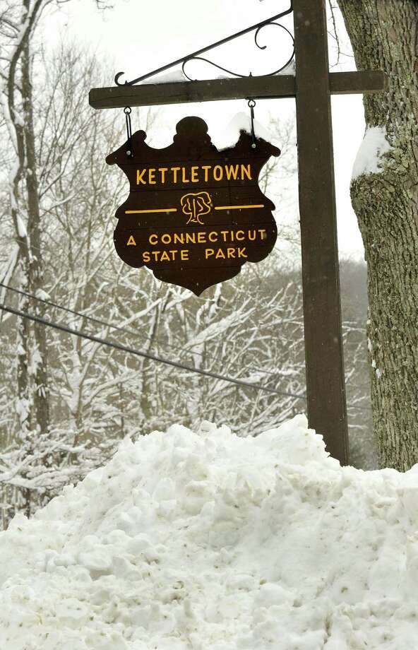 File photo of a sign at the entrance to Kettletown State Park in Southbury. Photo: Michael Duffy / ST / The News-Times