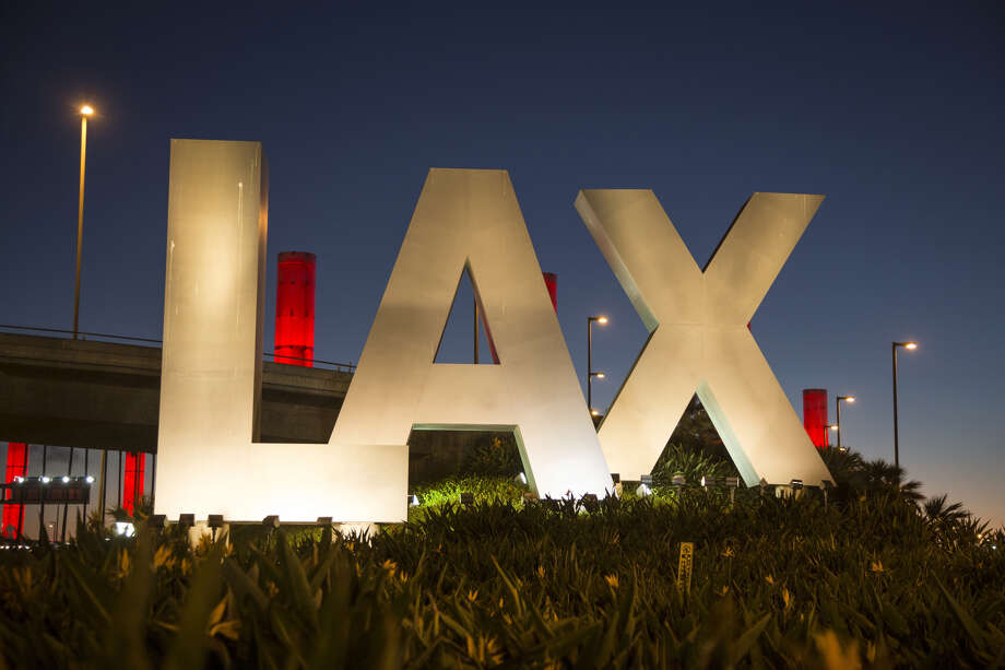 Dog named Cashmere gets loose on LAX tarmac, wreaks havoc