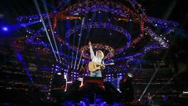 Garth Brooks performs after Round 1 of Super Series I of the Houston Livestock Show and Rodeo Tuesday, Feb. 27, 2018 in Houston. (Michael Ciaglo / Houston Chronicle)