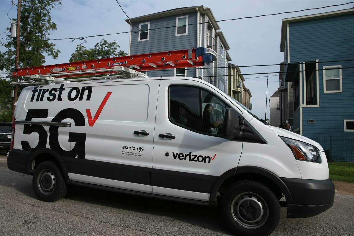 Verizon 5G broadband truck arrives at Clayton and Emily Harris' house in the Heights to set up for them as Verizon's first 5G customers in the nation on Monday, Oct. 1, 2018, in Houston.