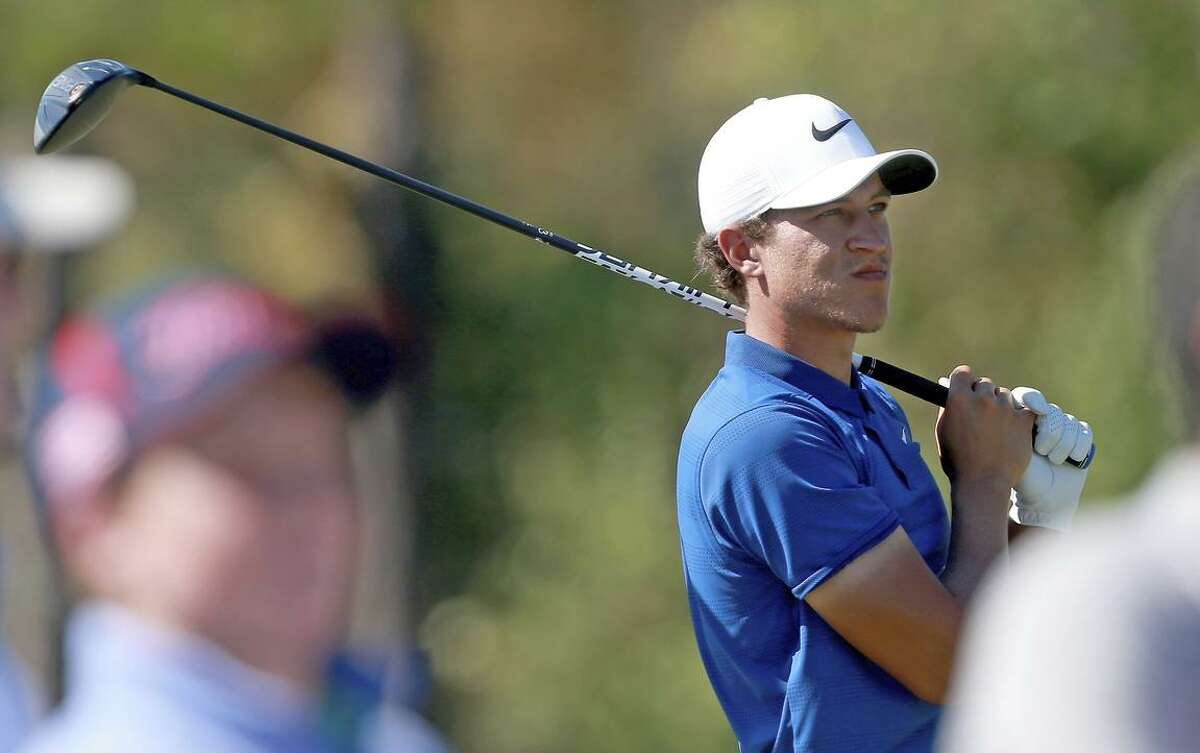 """""""It doesn't even look like he's trying,"""" Stephen Curry says of Cameron Champ."""