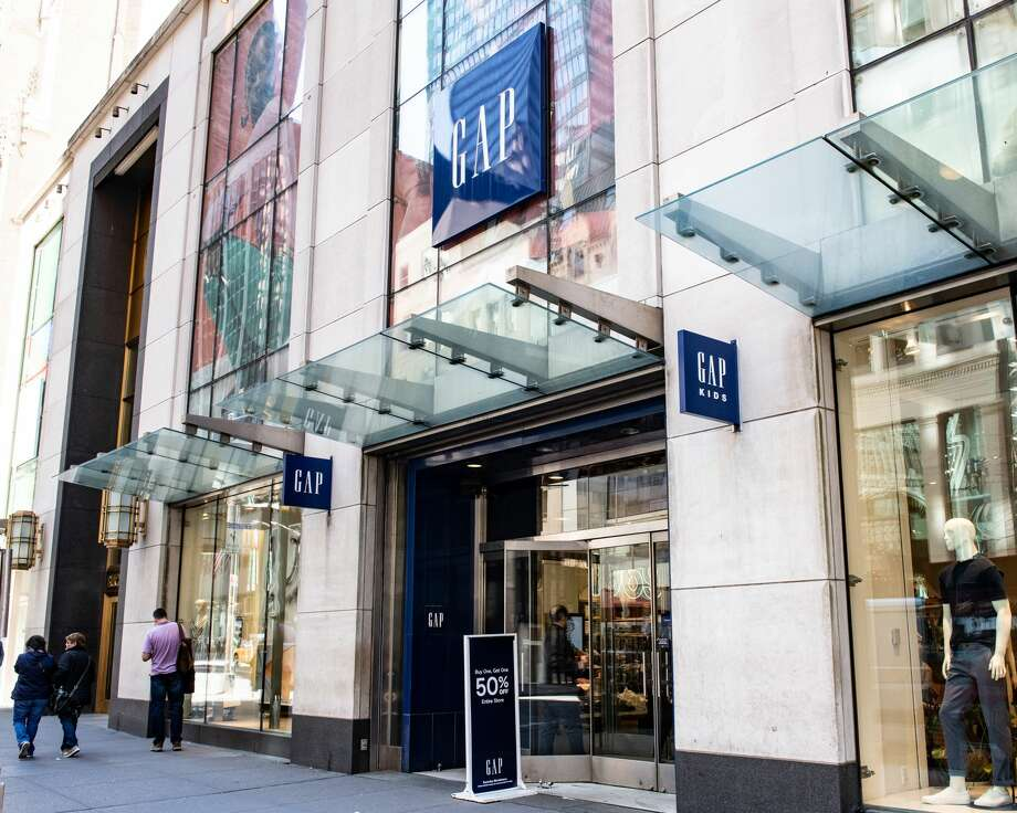 0d5df694d74 Retailers from Gap to Ralph Lauren are giving up on their flagship ...