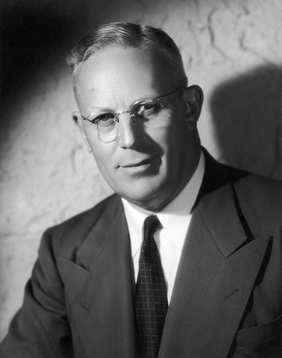 circa 1942: Studio portrait of American politician Earl Warren (1891 - 1974). Attorney General of California (1939 - 1943), Governor of California (1943 - 1953) and Fourteenth Chief Justice of the US Supreme Court (1953 - 1969). (Photo by Hulton Archive/Getty Images)