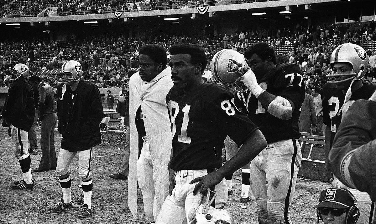 Oakland Raiders wide receiver Warren Wells (81) on the sideline, January 4,1969