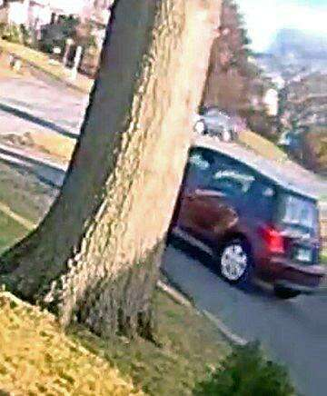 Fairfield PD looking to ID alleged package thief