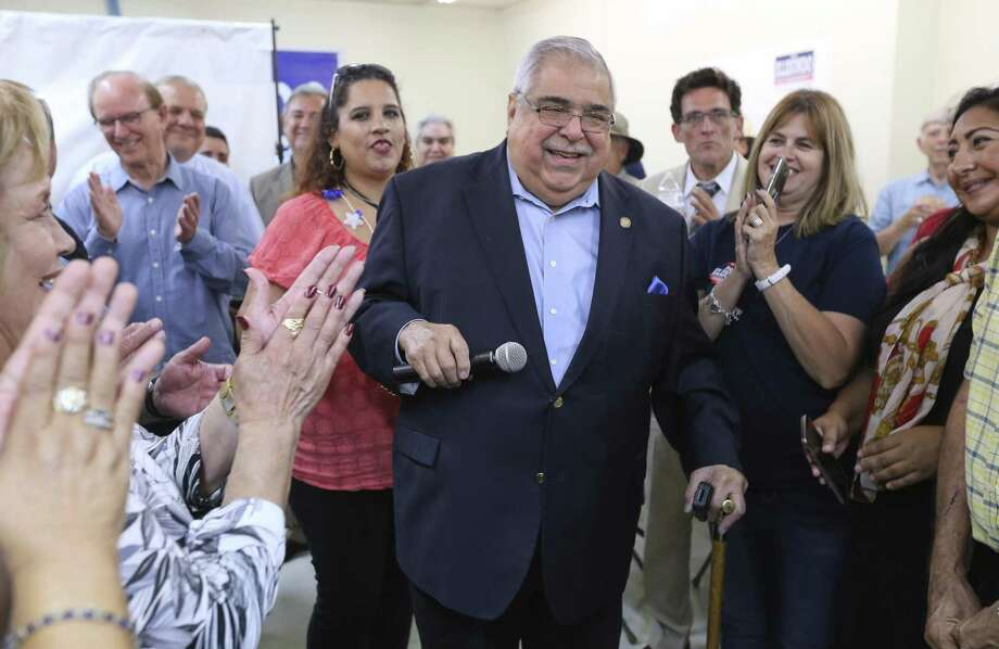 Bexar County Commissioner, Precinct 2 Paul Elizondo thanks supporters after seeing election results in his favor on May 22. He died early Thursday. Photo: Kin Man Hui /San Antonio Express-News / ©2018 San Antonio Express-News