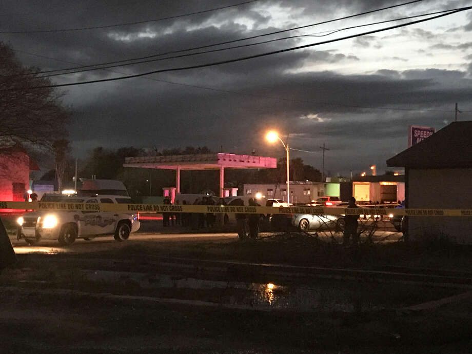 Port Arthur police and Jefferson County sheriff's deputies are on the scene of a fatal officer-involved shooting near 16th Street and Rev. Raymond Scott Avenue Friday, December 28, 2018. Photo: Kaitlin Bain/The Enterprise