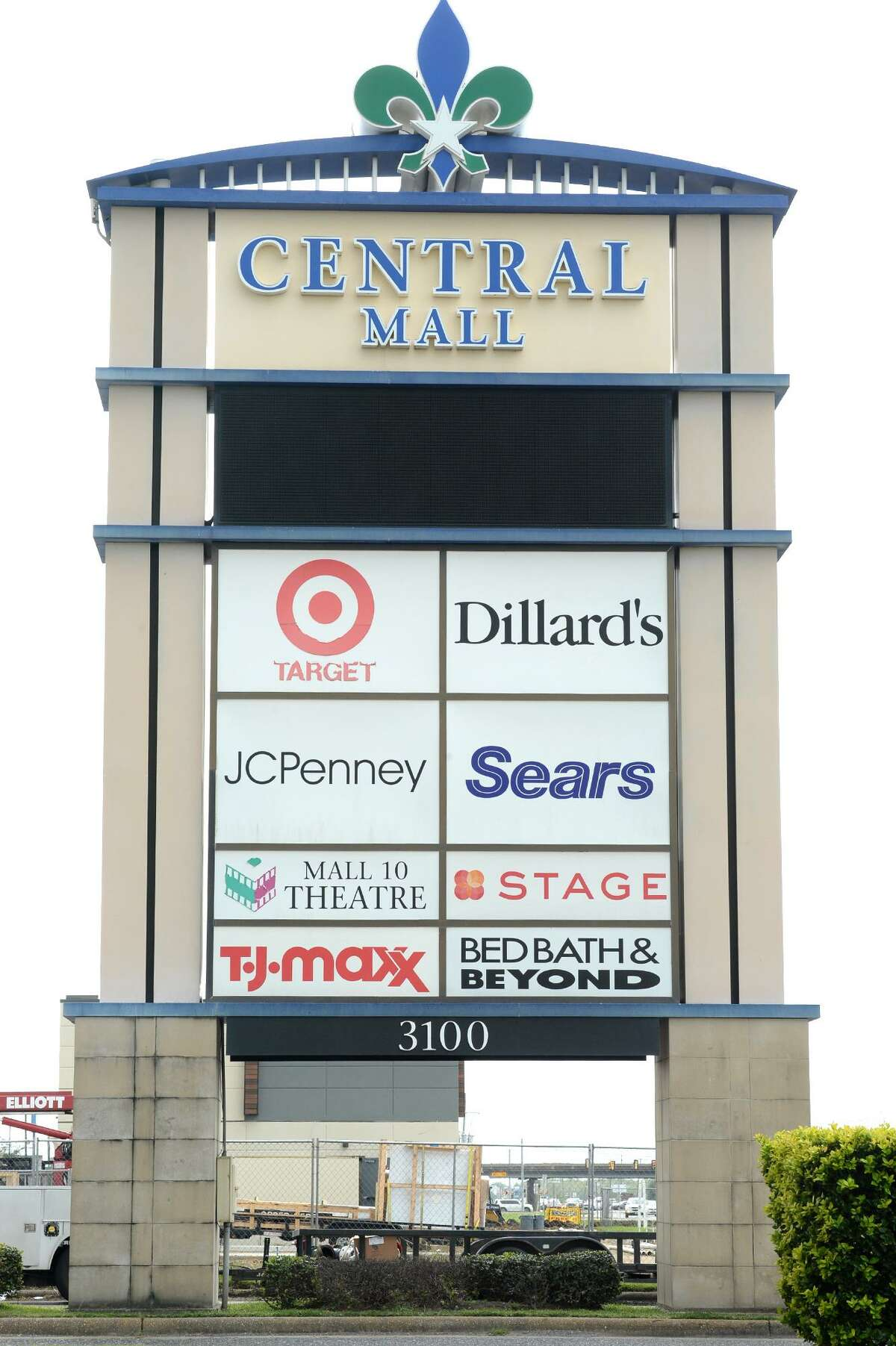 Signage at Central Mall's Sears in Port Arthur. Photo taken Monday, 10/15/18