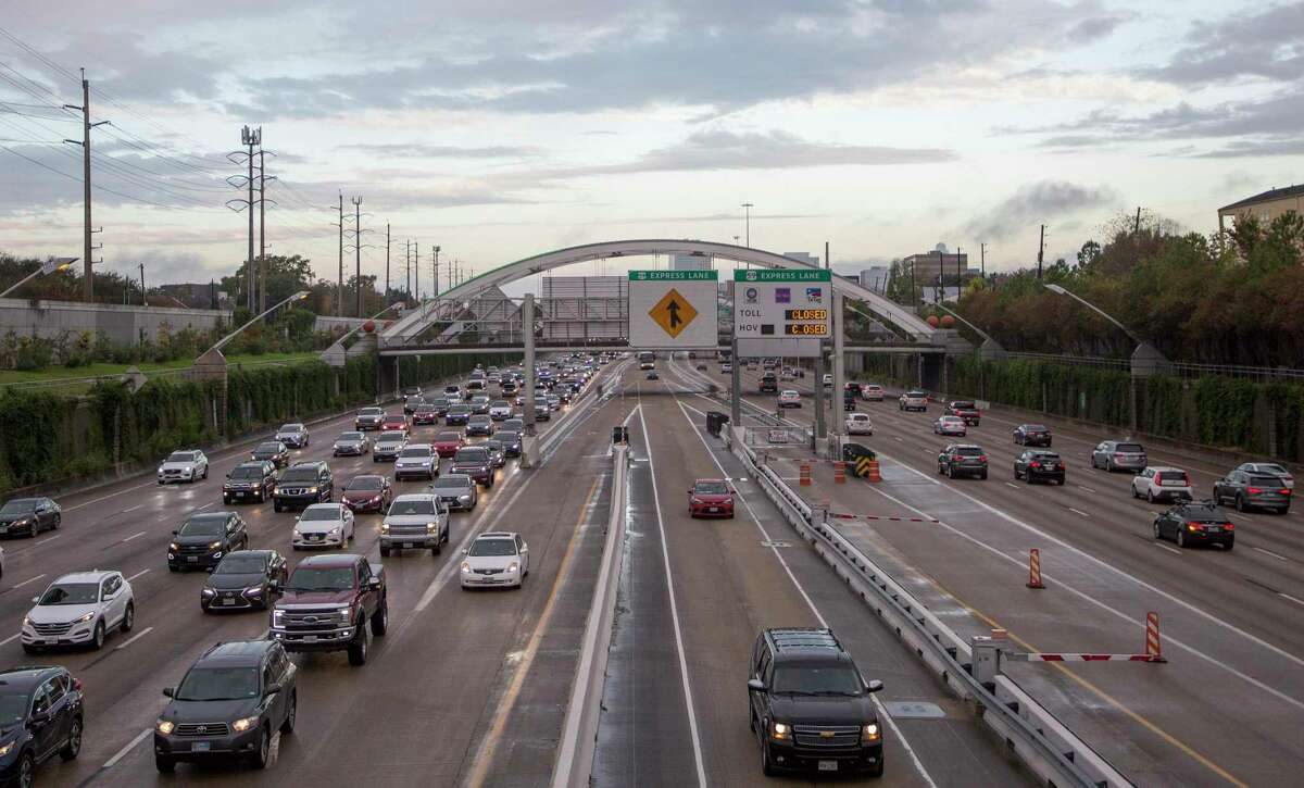 Motorists use the HOV lane of the northbound Interstate 69 Freeway Thursday, Dec. 13, 2018, in Houston.