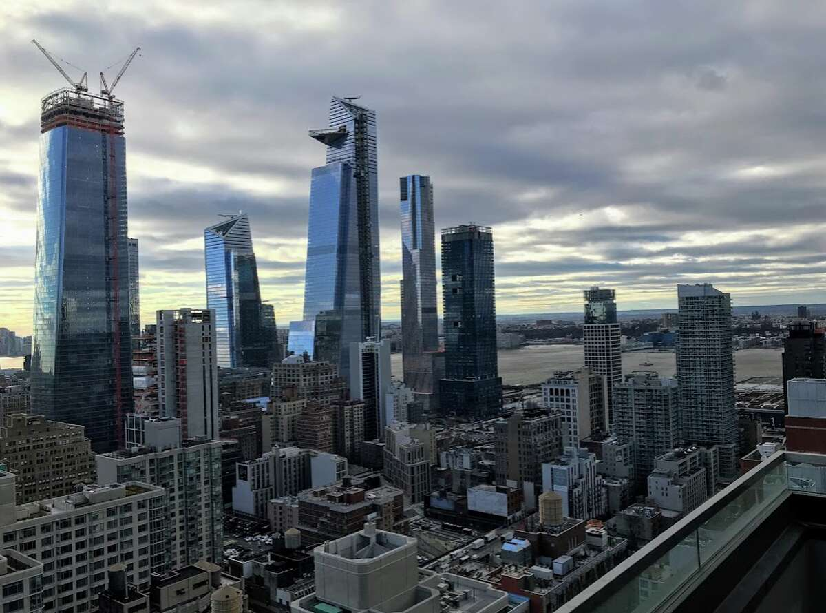 Another view of the Hudson Yards development from the 41st floor of the brand new Aliz Hotel - wow! Skyscrapers growing like mushrooms over there!