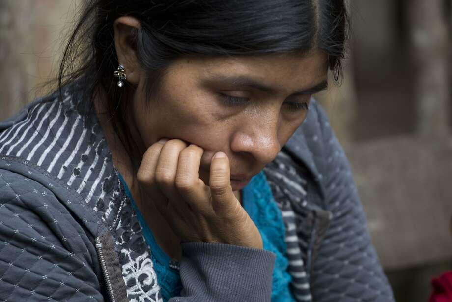 Catarina Alonzo Perez mourns her son Felipe Gomez Alonzo, who died while in U.S. custody. Photo: Moises Castillo / Associated Press