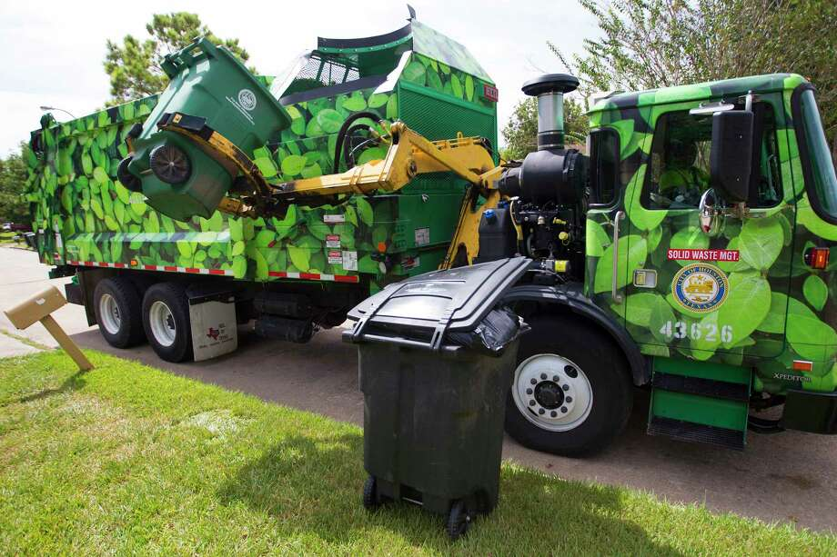Hundreds of hours of equipment downtime a week at Solid Waste Management Department are leading to recycling delays throughout Houston, the department says. Photo: Cody Duty, Houston Chronicle / © 2014 Houston Chronicle