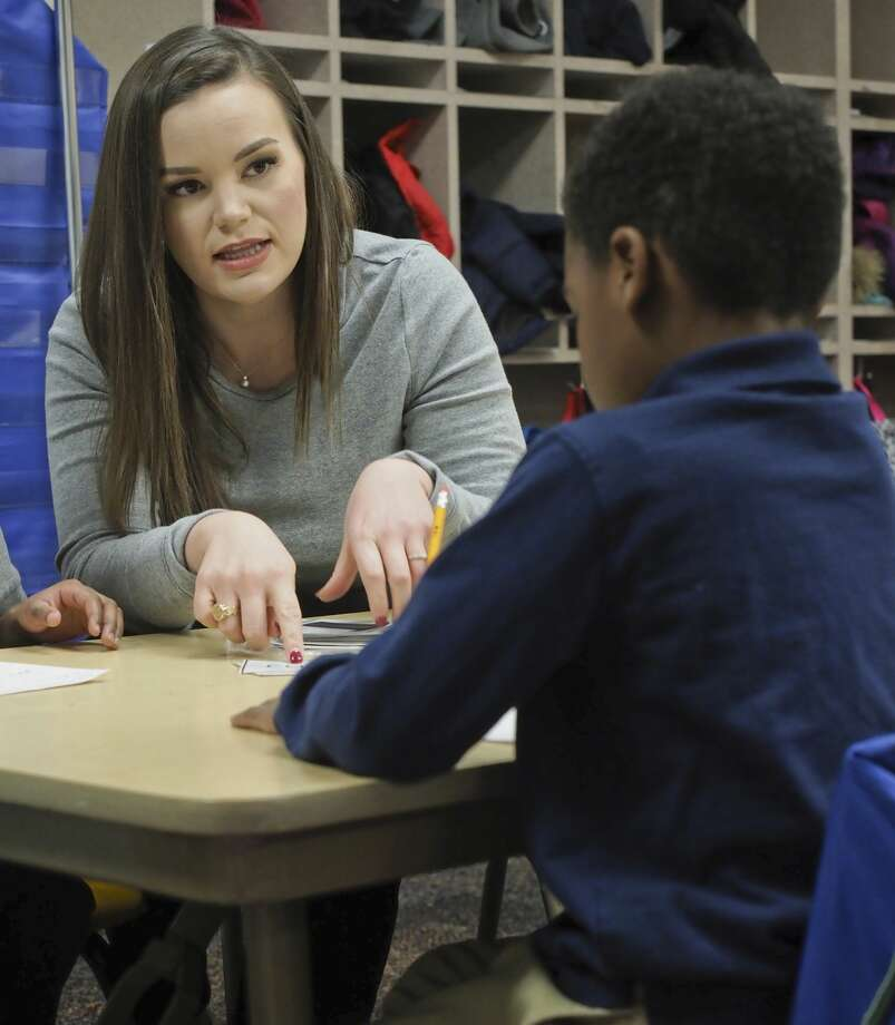 Rusk Elementary kindergarten teacher Alexa Locke works with studentds 11/27/18. Tim Fischer/Reporter-Telegram Photo: Tim Fischer/Midland Reporter-Telegram