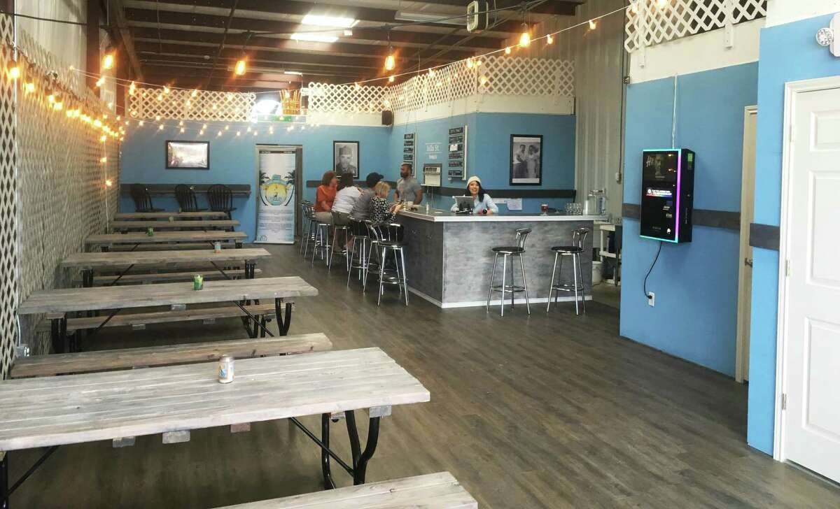 The Islla St. Brewing Co. tap room is opening to the public this weekend near the intersection of O'Connor Road and Wurzbach Pkwy. It features 10 beers on tap with a mixture of flagship beers and others that will rotate out.