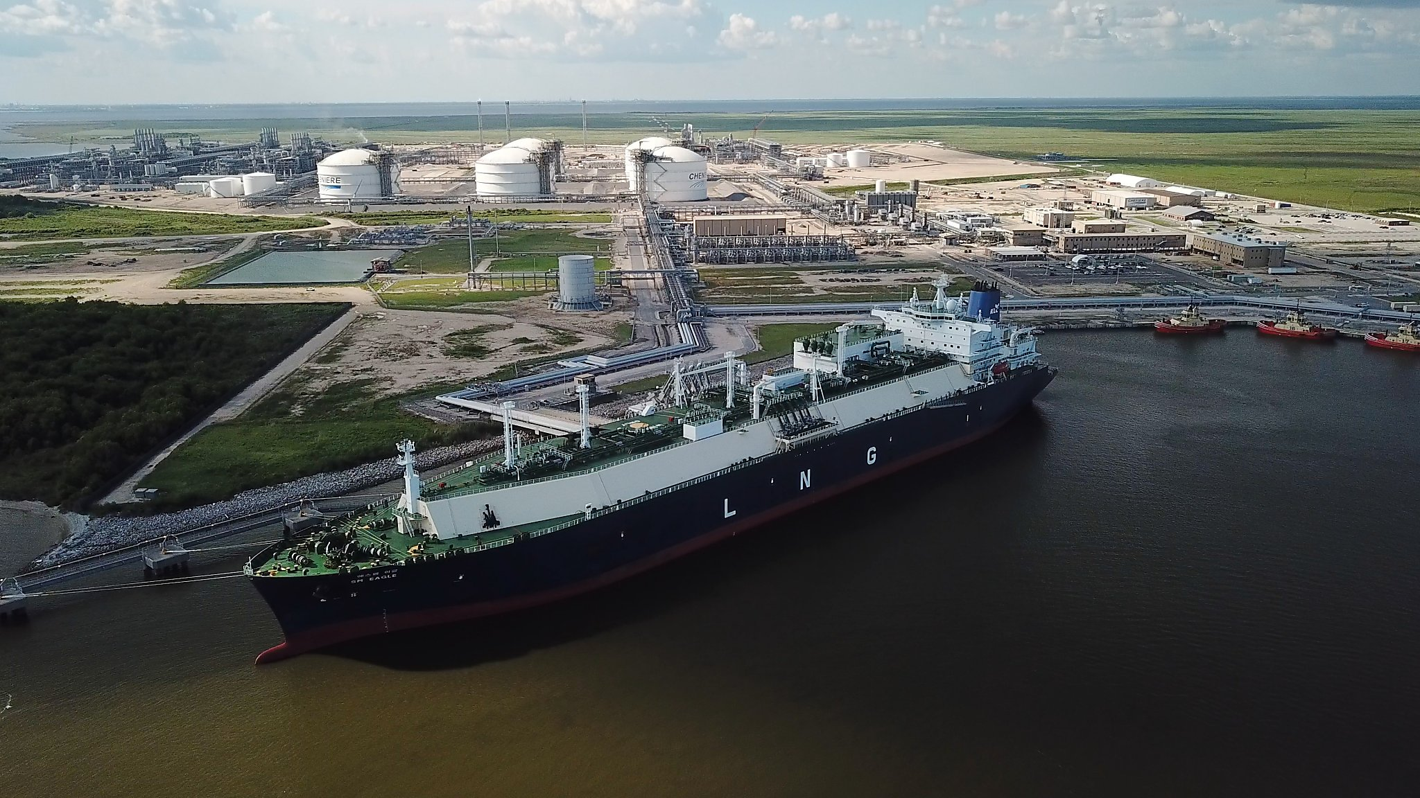 Global LNG poised for terrible year as new supply floods market