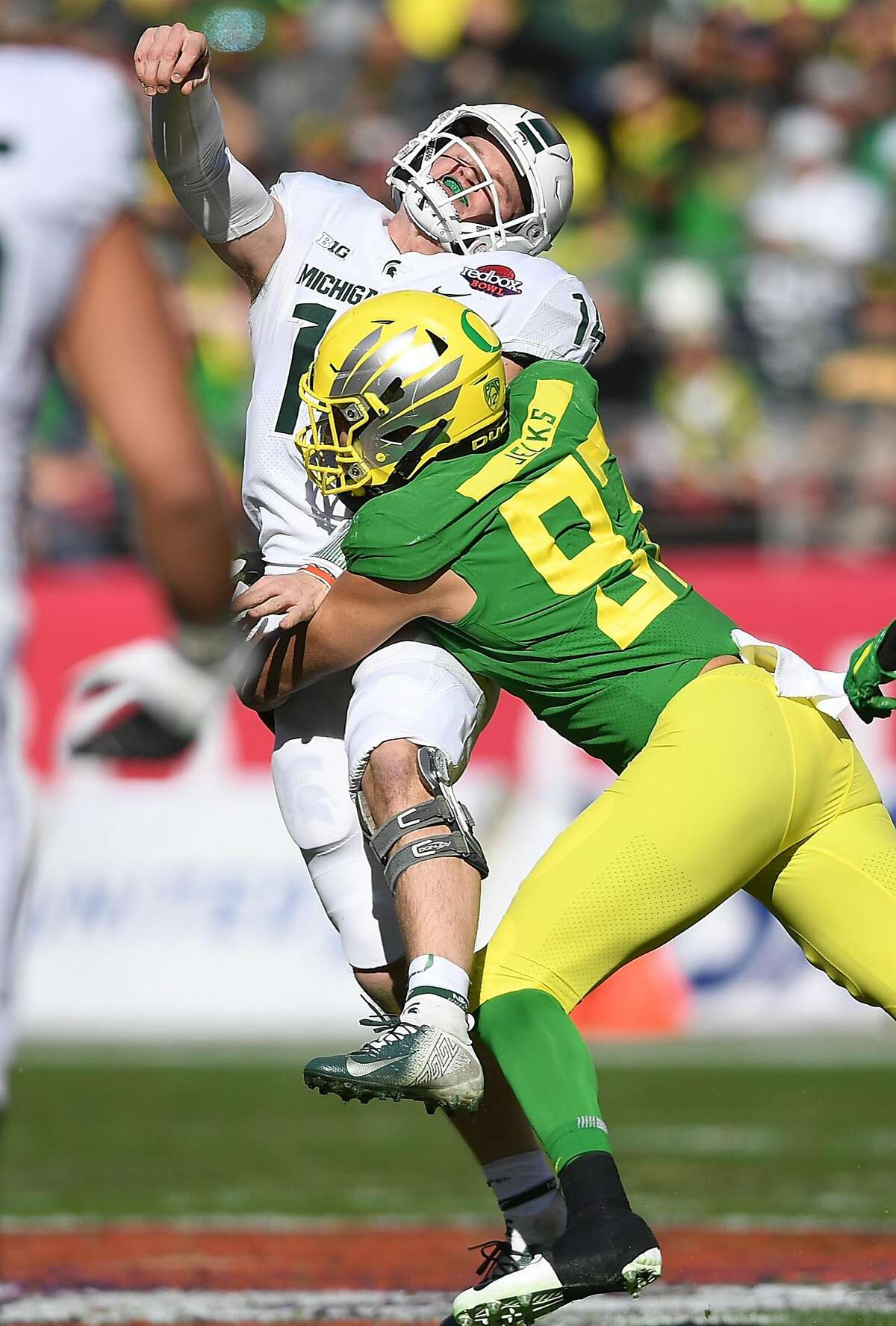Round 4, No. 124 overall: DE Jalen Jelks, Oregon (6 feet 5 inches, 256 pounds) It's very hard to imagine the Seahawks not selecting a pass rusher in this defensive-line loaded class, even with the moves they've already made this offseason -- and the confidence Carroll has expressed in Jacob Martin. Oregon's Jalen Jelks is somewhat raw at this point -- he needs to add strength and mass to his frame -- but he has the talent to be a disrupting force in a couple year's time. Jelks had 57 tackles (including 7.5 for loss) and 3.5 sacks in 12 starts for the Ducks as a senior. He was a first-team All-Pac-12 selection in 2018.