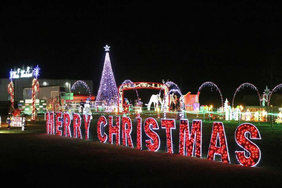 How Long Do Christmas Lights Last.Dayton S Wright Christmas Display Up Again After Win On The