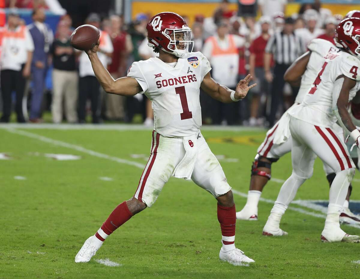 Oklahoma quarterback Kyler Murray (1) looks to pass the ball, during the second half of the Orange Bowl NCAA college football game against Alabama, Saturday, Dec. 29, 2018, in Miami Gardens, Fla. (AP Photo/Wilfredo Lee)