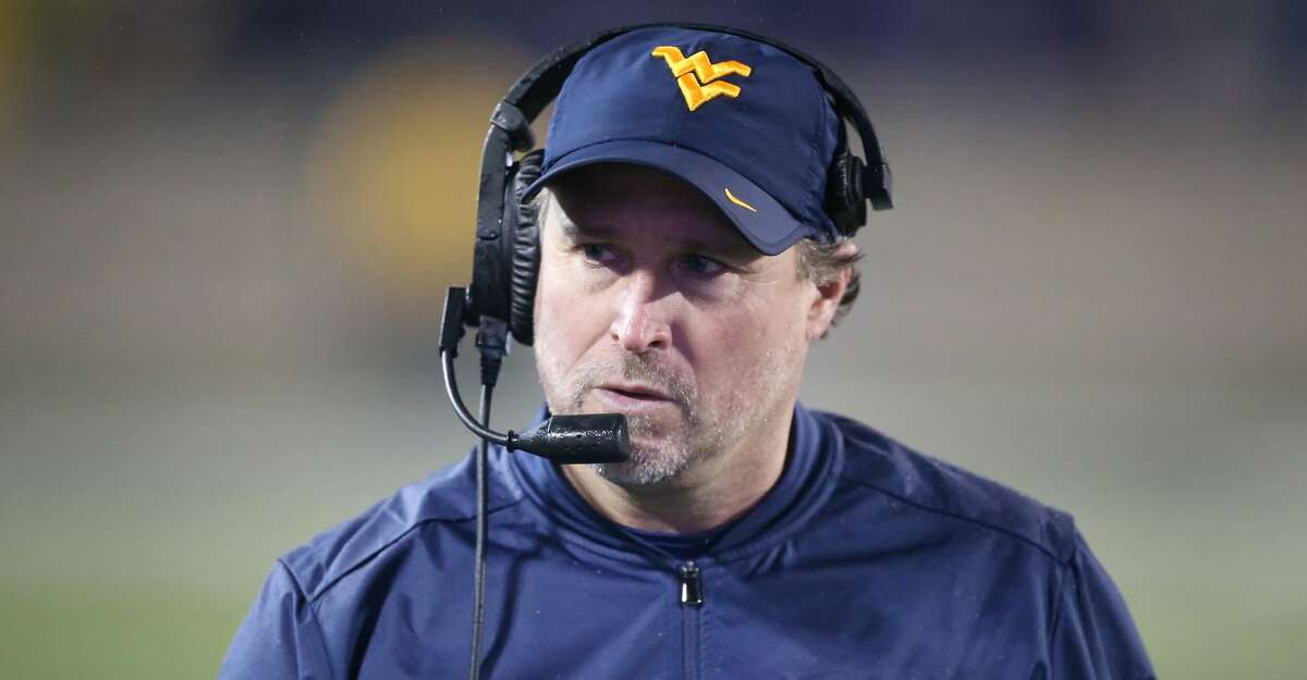 MANHATTAN, KS - NOVEMBER 11: West Virginia Mountaineers head coach Dana Holgorsen in the third quarter of a Big 12 game between the West Virginia Mountaineers and Kansas State Wildcats on November 11, 2017 at Bill Snyder Family Stadium in Manhattan, KS. West Virginia won 28-23. (Photo by Scott Winters/Icon Sportswire via Getty Images)
