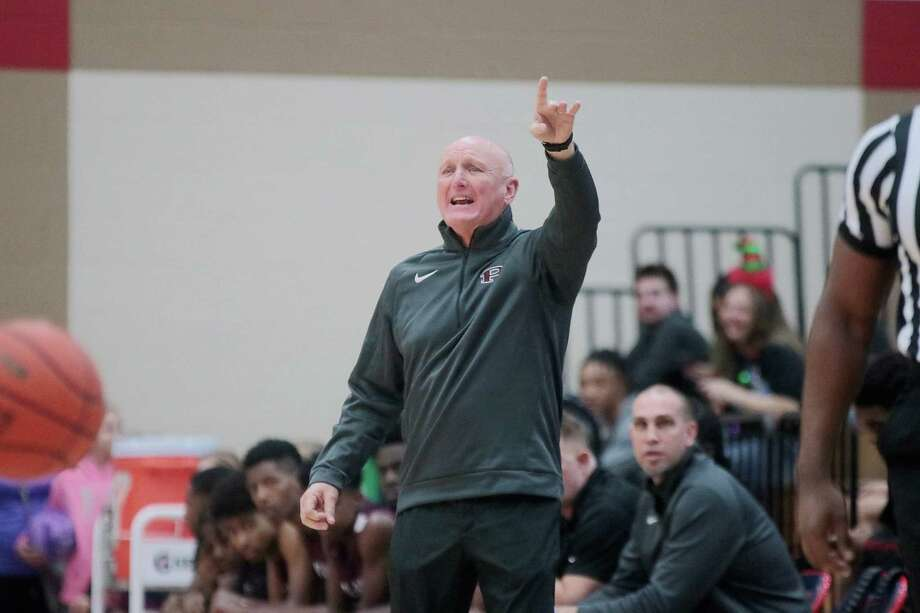 Pearland head boys' basketball coach Steve Buckelew has the Oilers off to a 15-0 start this season. Photo: Pin Lim, Freelance / Contributer / Copyright Forest Photography, 2018.