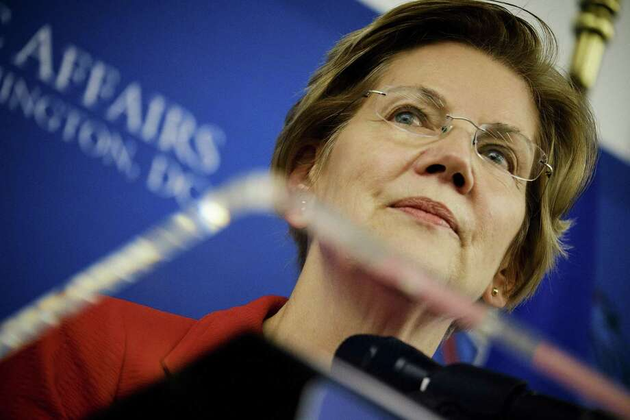 Sen. Elizabeth Warren (D-Mass.), like former HUD Secretary and San Antonio mayor Julián Castro, has formed an exploratory committee for the 2020 presidential race — a field that is likely to be as crowded or more as the 2016 field was for Republicans. Photo: T.J. KIRKPATRICK /NYT / YTNSN
