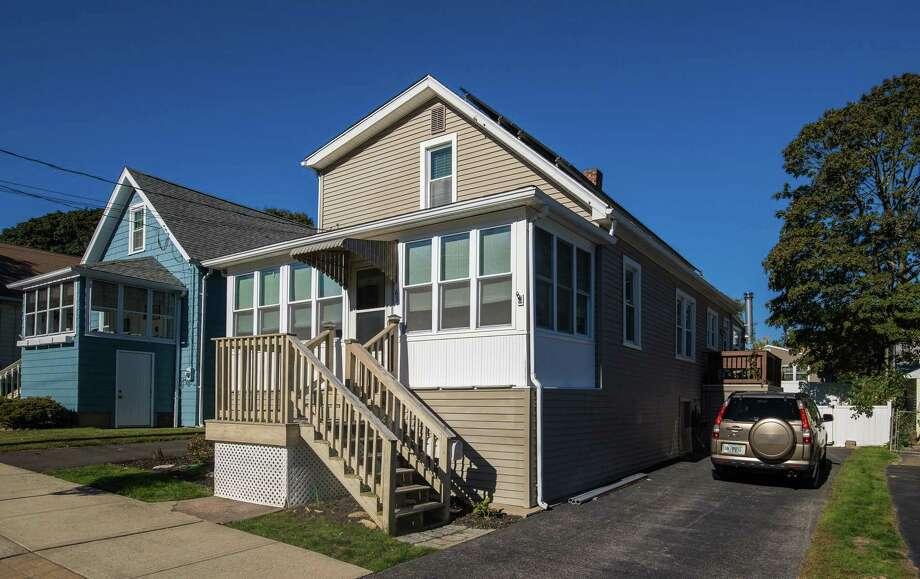 Photo: William Raveis Real Estate / ONLINE_CHECK