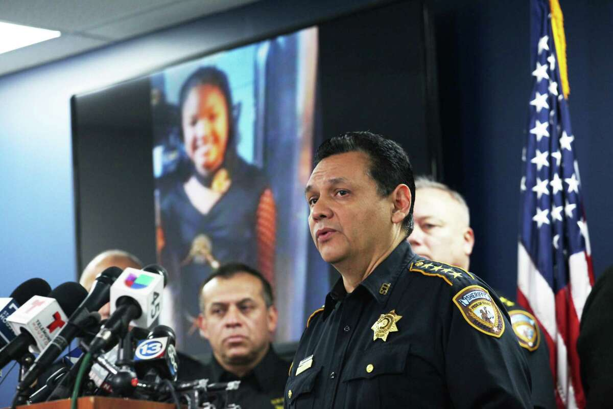 Harris County Sheriff Ed Gonzalez, speaking to reporters on Monday, Dec. 31, 2018, asks the gunman responsible for killing 7-year-old Jazmine Barnes to turn himself in.