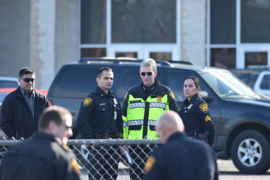 San Antonio police are responding to the second officer-involved shooting of 2019. The shooting was reported on Jan. 3, 2019 in the 1400 block of Pleasanton Road. Photo: Caleb Downs / San Antonio Express-News