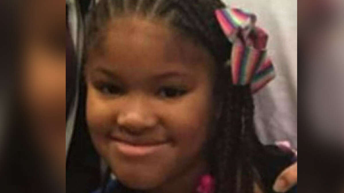 THINGS TO KNOW ABOUT THE SHOOTING DEATH OF JAZMINE BARNES Jazmine Barnes was a 7-year-old girl who was shot to death near Houston on Sunday, Dec. 30, 2018.
