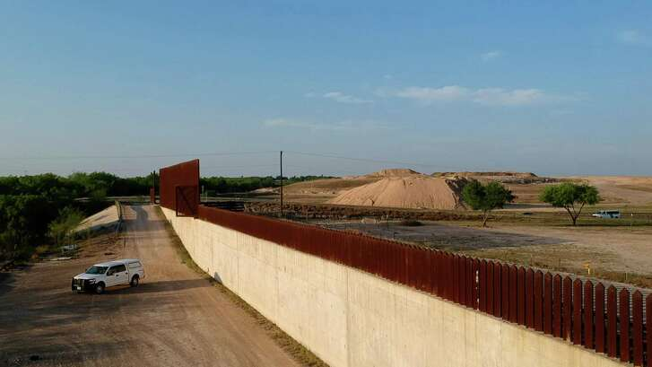 Penitas, Texas is where the border wall with Mexico ends in this part of the Rio Grande Valley, as seen on March 14, 2018. (Carolyn Cole/Los Angeles Times/TNS)
